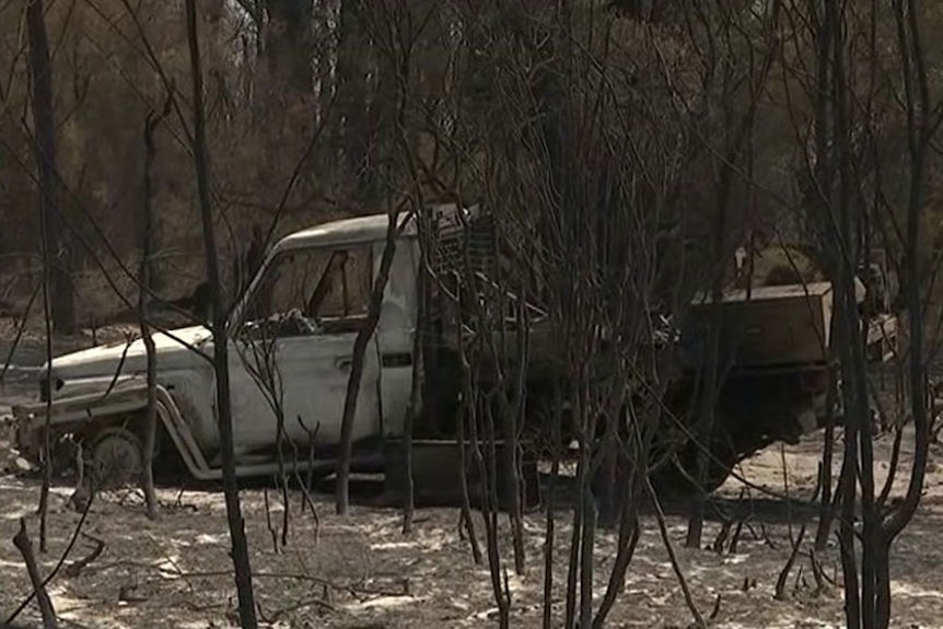Burnt out car in Lowmead bushfire.
