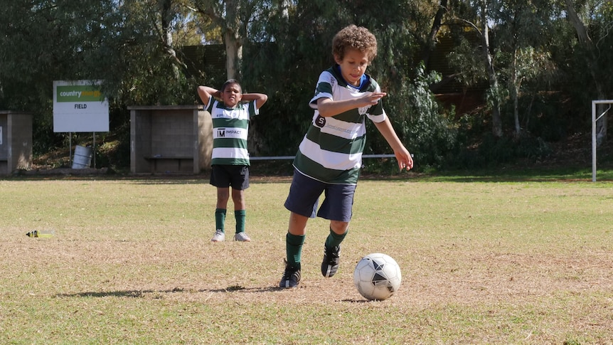 Wilcannia soccer kids 'so excited' to return to Broken Hill after COVID-19 worries