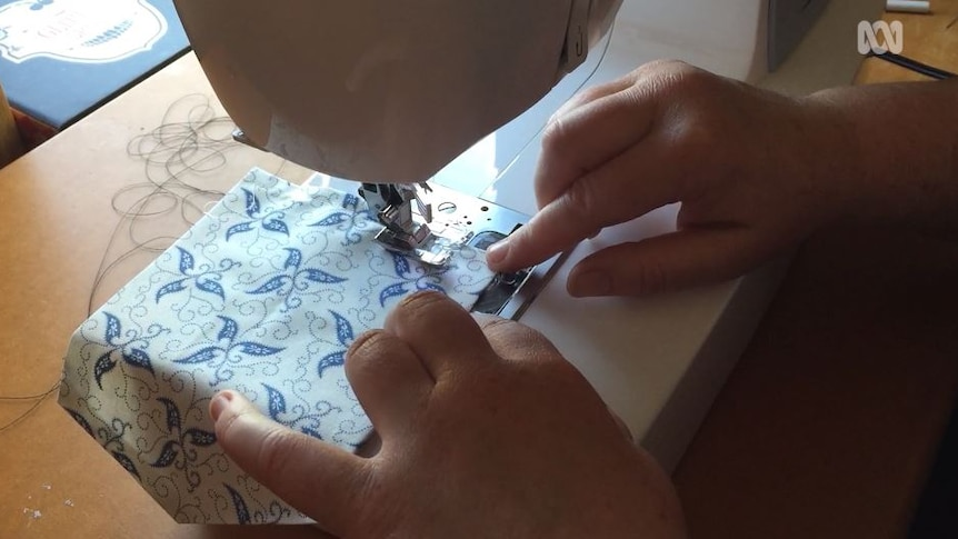 Sewing a pocket with a sewing machine