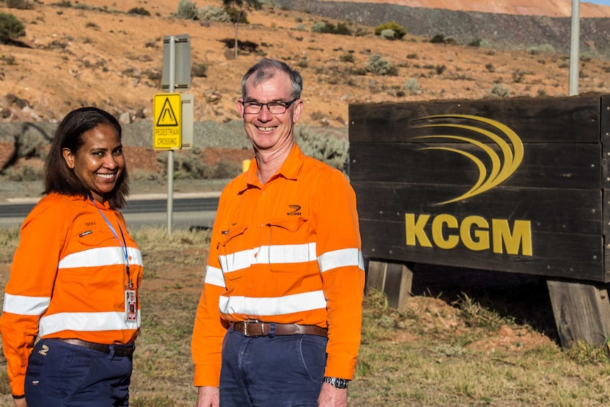 New KCGM General Manager Cecile Thaxter and outgoing GM Ian Butler at the entrance to the Super Pit.
