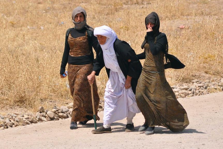 Yazidi families flee violence in Sinjar