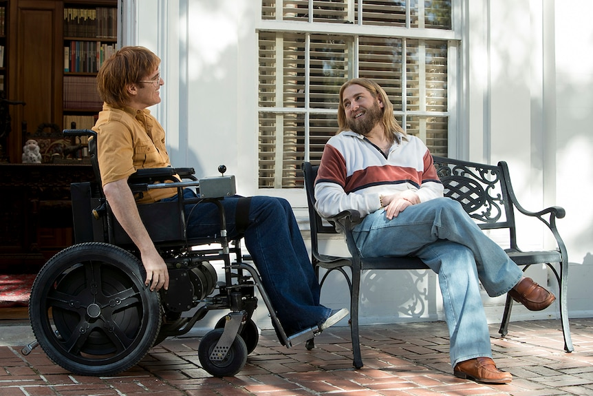 Colour still of Joaquin Phoenix and Jonah Hill in a scene from 2018 film Don't Worry, He Won't Get Far on Foot.