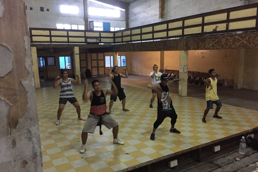 Contestants and dance coaches rehearse for Miss Fa'afafine.