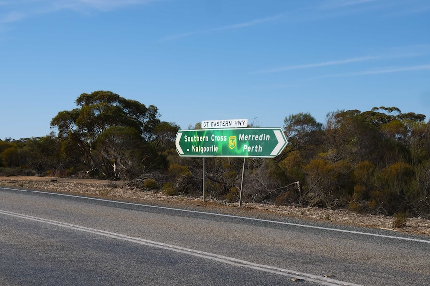 Picture of road sign to Merredin and Southern Cross.