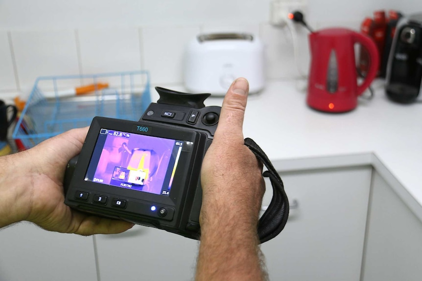 ThermoView infrared camera used in a kitchen