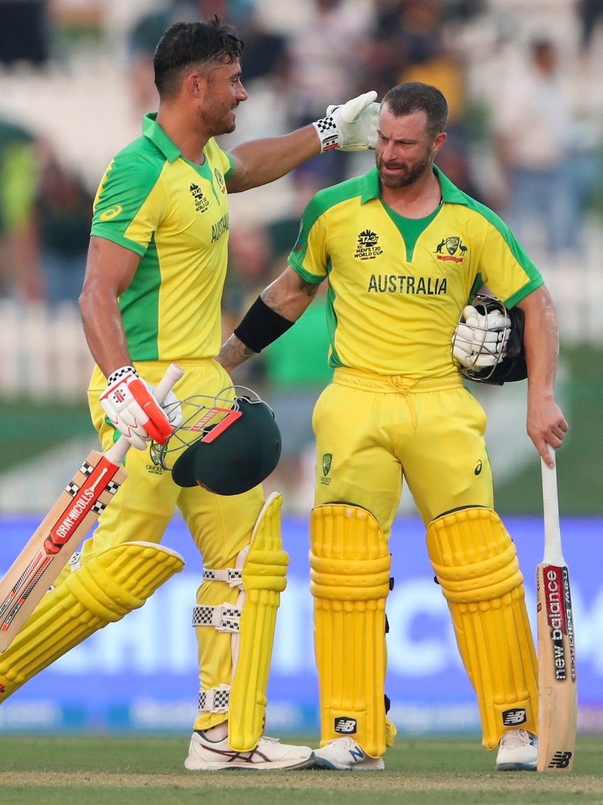 Aussies scrape home to beat South Africa in tense T20 World Cup opener