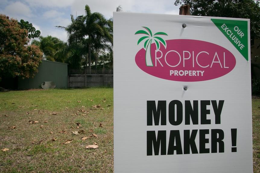 Real estate promo sign