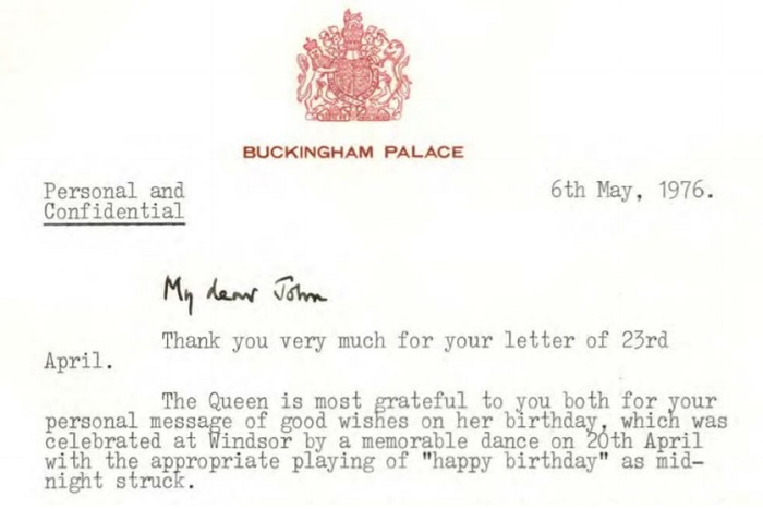 The letter details the Queen's 50th birthday bash.