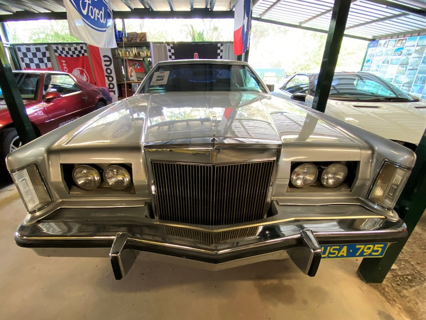 Front shot of classic American car, the Lincoln
