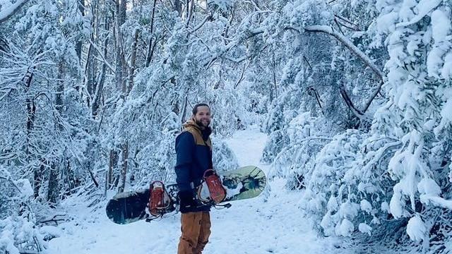 Snowboarding in the Tasmanian snow
