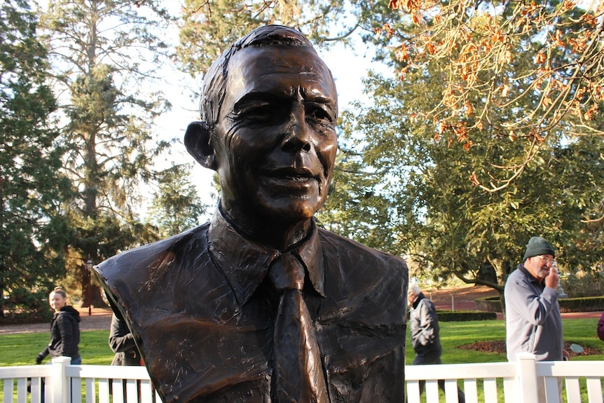 A photo shows a bronze portrait of former prime minister Tony Abbott.