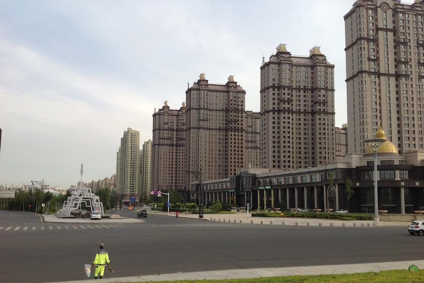 哈尔滨一处街道无人行走