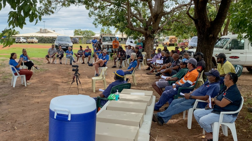 A crowd of remote community residents at a vaccination information session in Beagle Bay.