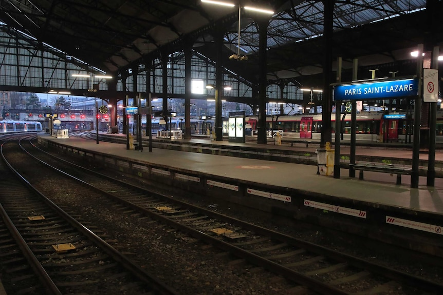 A Paris train station has no passengers as the strike begins