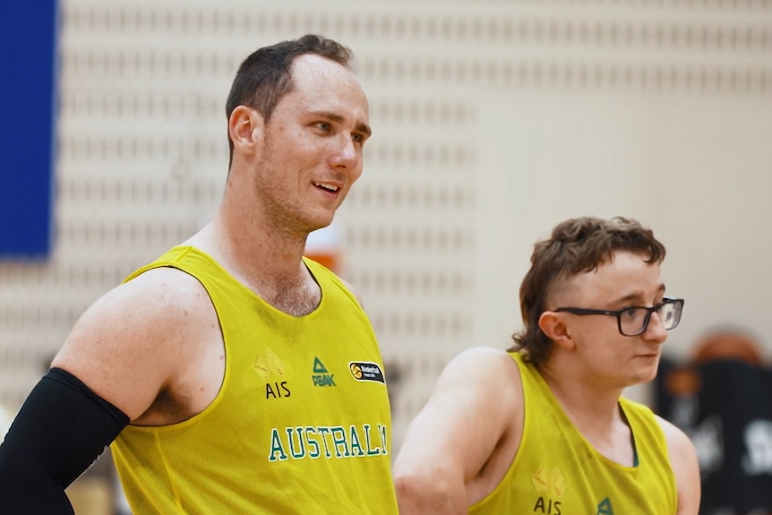 Tom O'Neill-Thorne in a yellow singlet at the AIS.
