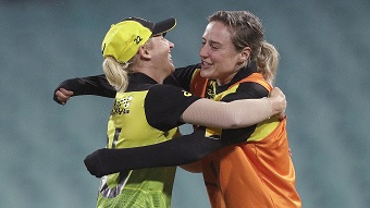 Ellyse Perry and Delissa Kimmince