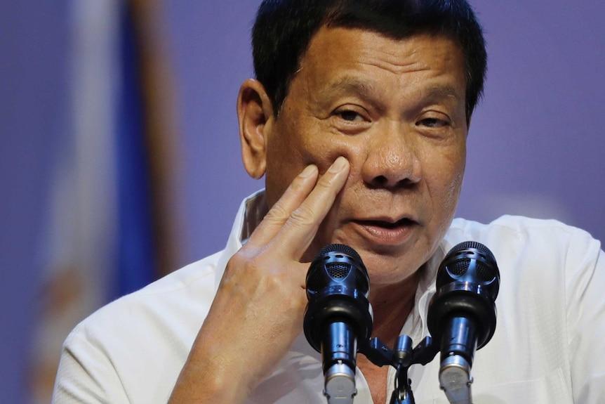 Philippine President RodrigoDutertespeaks to the Filipino community in Singapore.