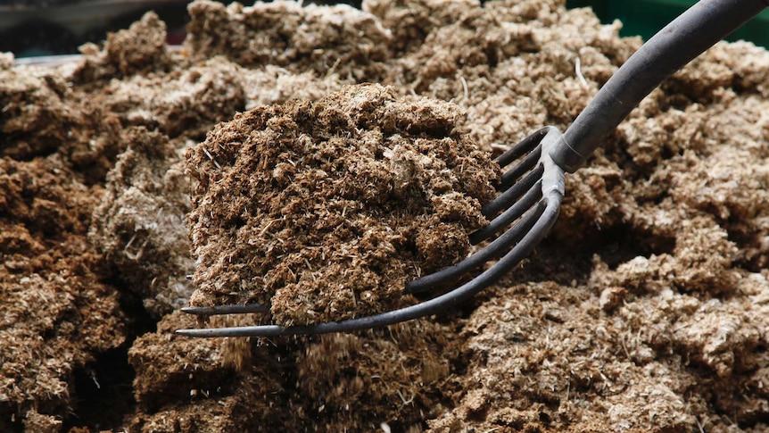 Fertiliser and pitchfork