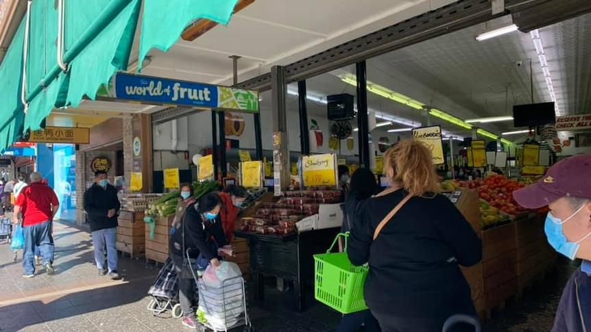 exterior de la tienda de frutas