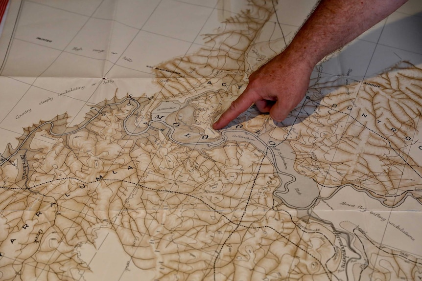 Descendant of original Canberrans with topographical map from 1909.