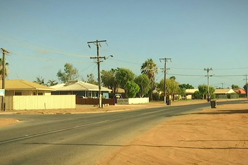 A dusty street in a residential part of the town of Carnarvon