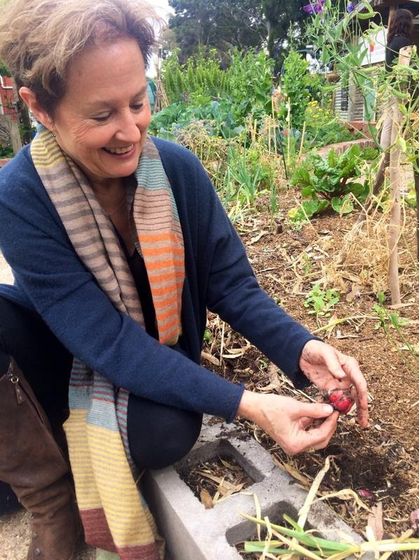 Chef Alice Waters visits Collingwood College's Kitchen Garden centre
