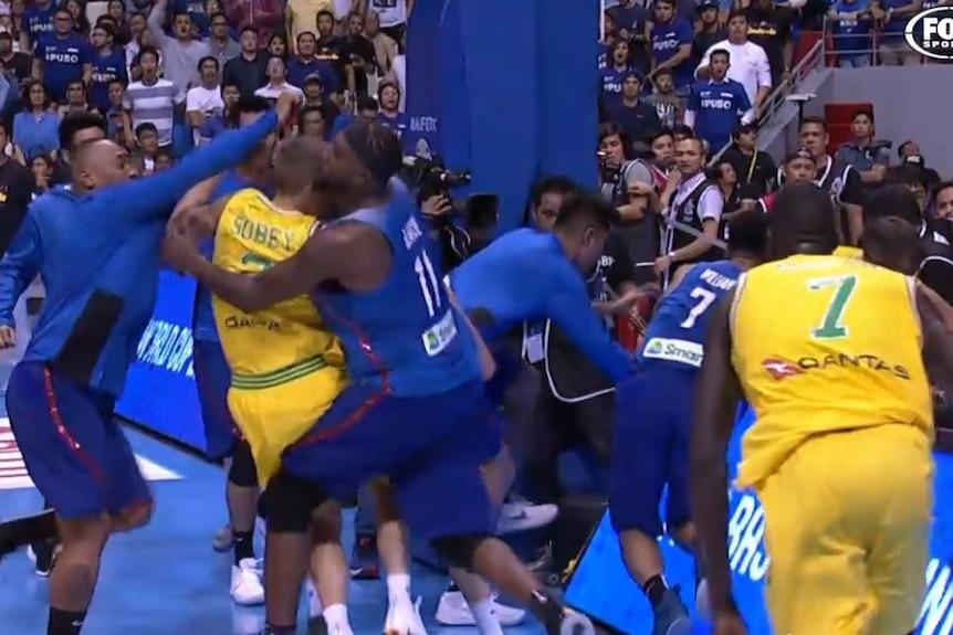 Australian and Filipino basketballers fight