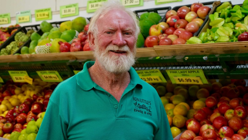 Coronavirus 'knock-and-drop' service very appealing to Ken Little's fruit  and veg customers - ABC News
