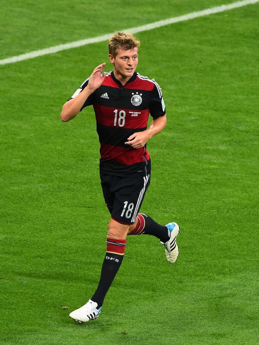 Toni Kroos celebrates goal against Brazil