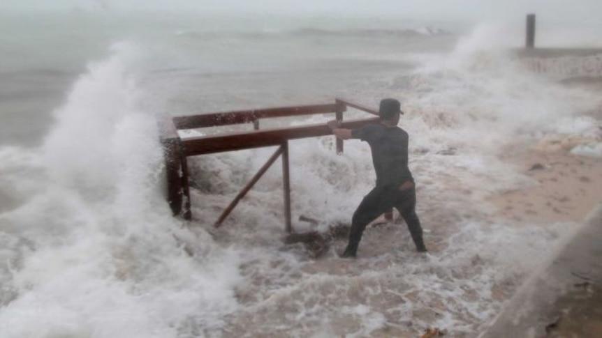 Hurricane Maria floods Dominican Republic