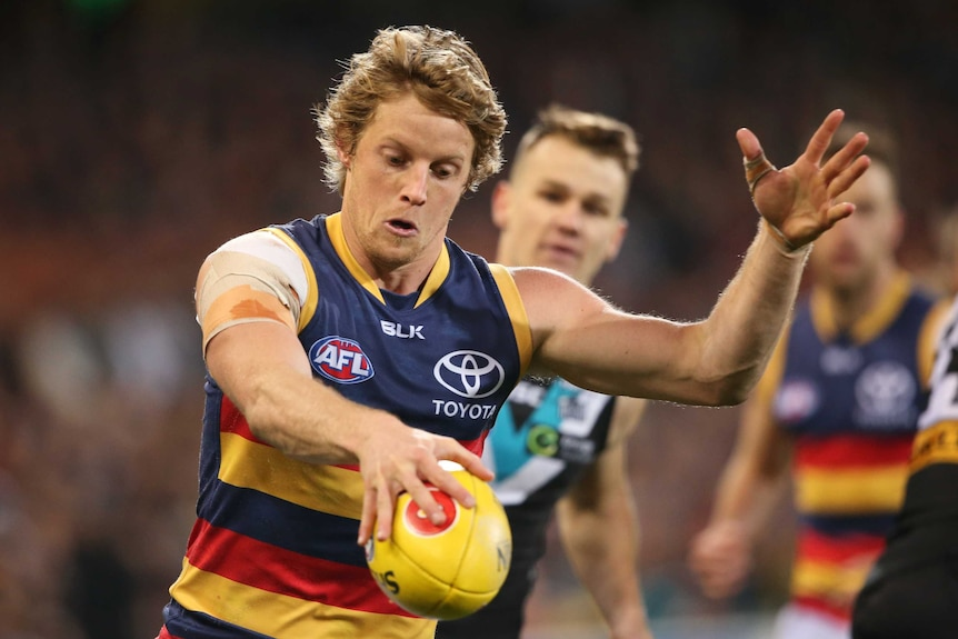 Rory Sloane on the footy field.