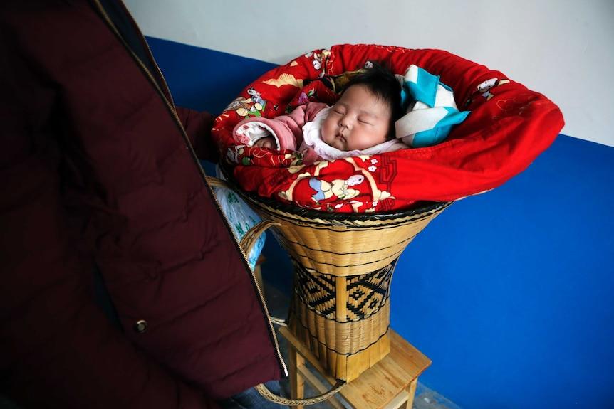 许多有条件的中国女性到国外接受辅助生育手术。