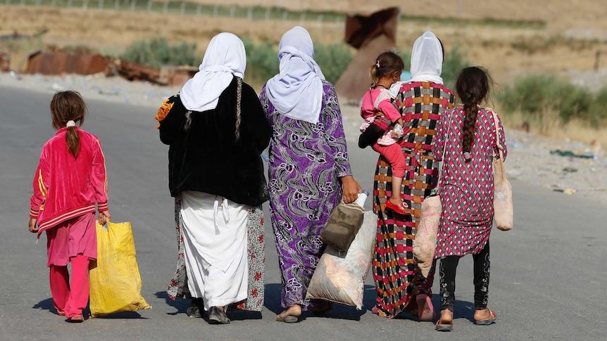 Women and children from the minority Yazidi sect