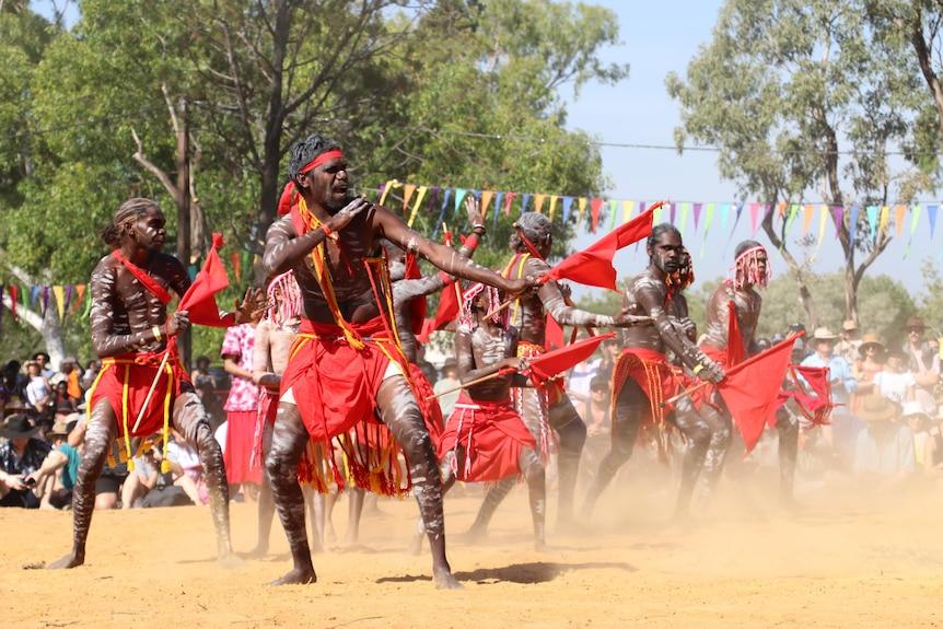 Barunga dancing