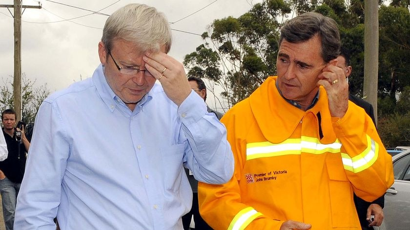 Kevin Rudd and Victorian Premier John Brumby toured fire-ravaged areas.