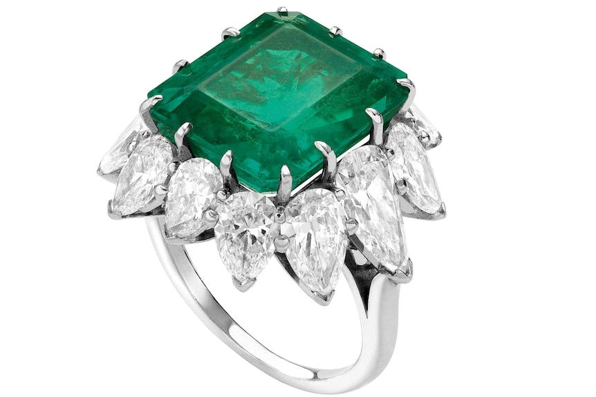 Emerald ring gifted to Elizabeth Taylor