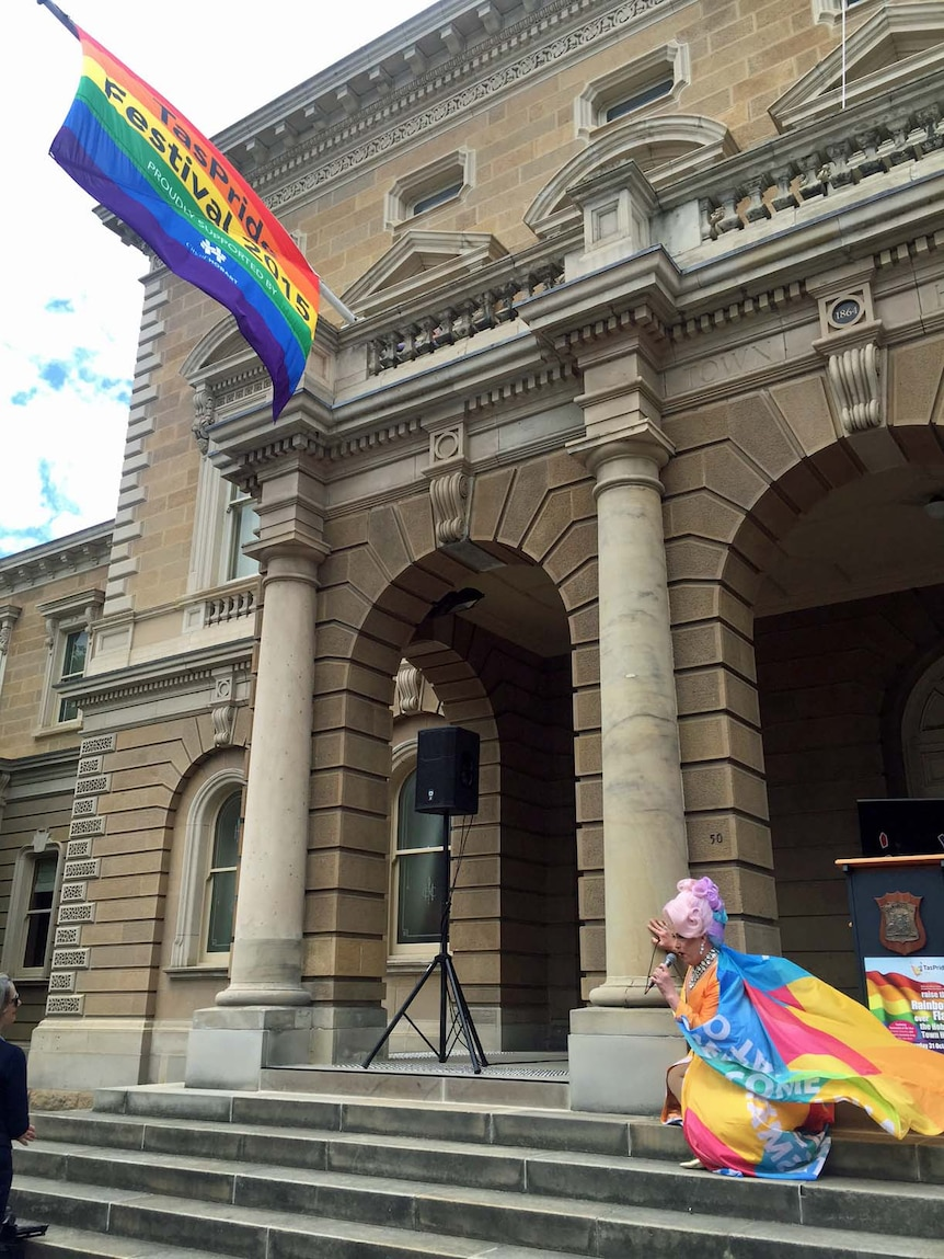 Singer performs on the steps of Hobart Town Hall