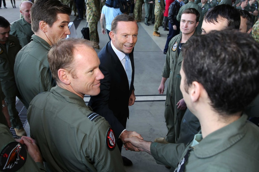 Abbott meets troops heading to Middle East