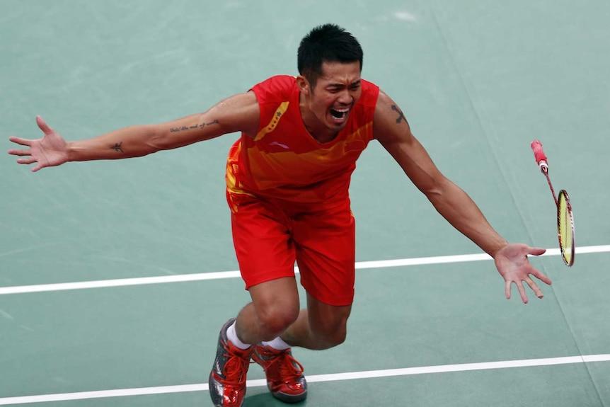 China's Lin Dan celebrates winning his men's singles badminton gold medal