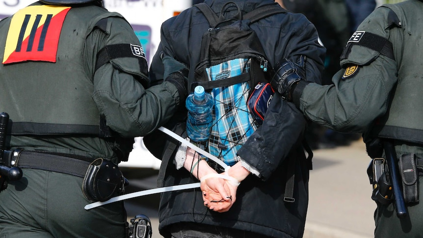 Germany riot police arrest hundreds at AfD party congress
