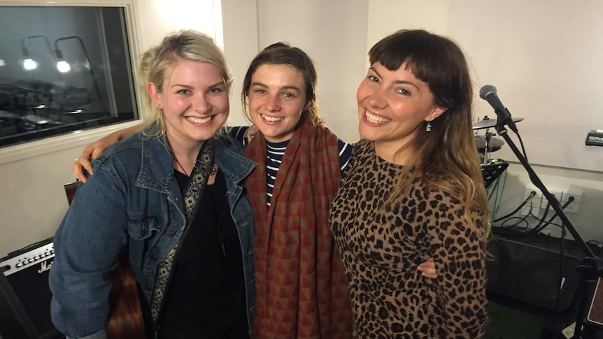 Musician Ella Hooper (right), who performs with Pool and Gena Rose Bruce, says many people can not handle Pool's home truths in her writing. (Australian Story: Belinda Hawkins)