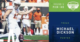 Michael Dickson kicks ball