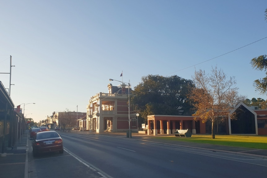 Looking down the main street of St Arnaud in north-central Victoria.