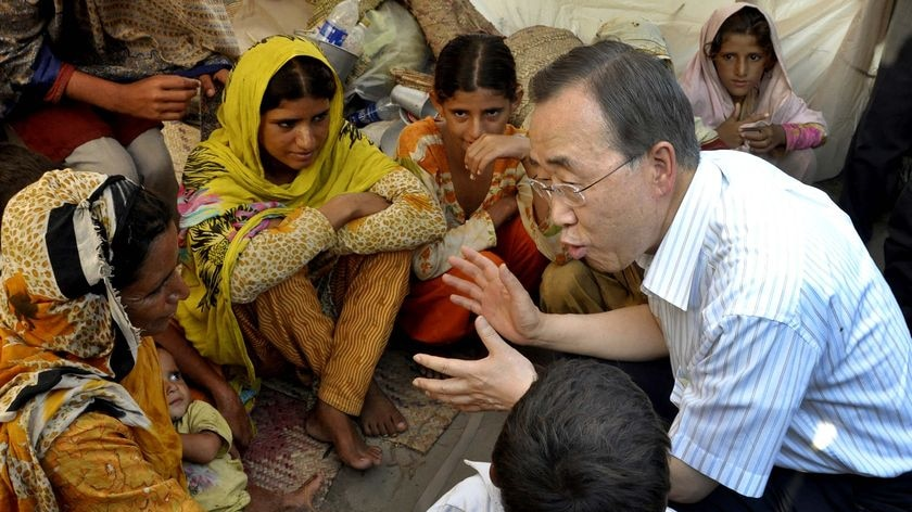 UN Secretary-General Ban Ki-moon speaks to Pakistan flood victims