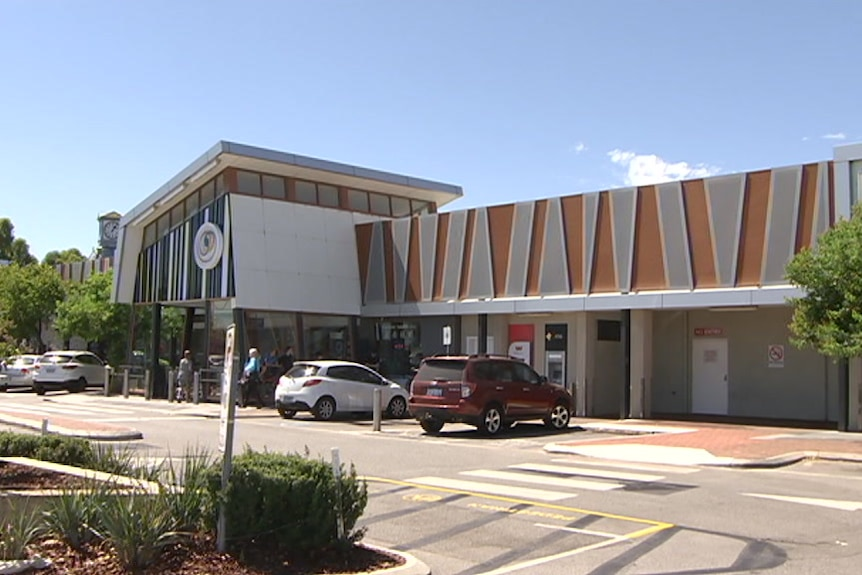An exterior shot of the Centrepoint Shopping Centre in Midland.