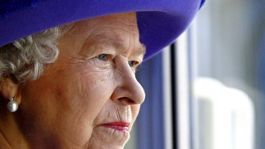 The Queen has praised the efforts of Victoria's firefighters.