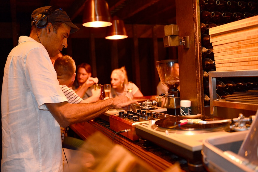 Medhi El-Aquil using his rotary mixer in an Adelaide bar