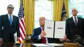Trump signs executive orderr