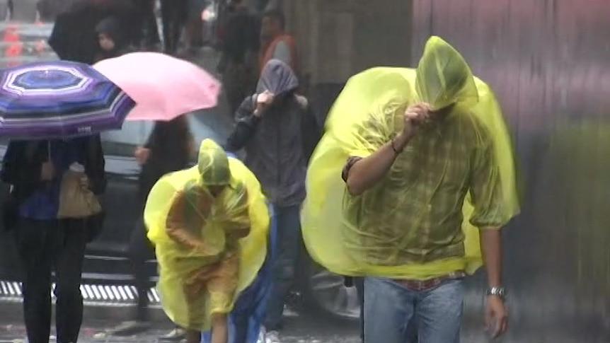 狂风暴雨肆虐悉尼及其周边地区