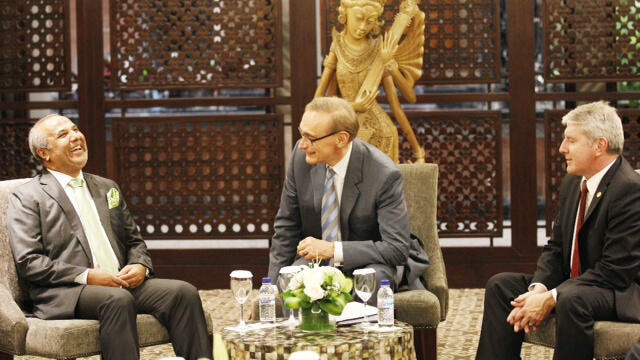 Bob Carr and Brendan O'Connor meet with Sri Lanka's justice minister at Bali forum. (Twitter: @bobjcarr)